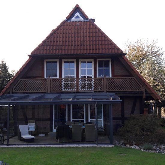 Fachwerkhaus mit Glashaus